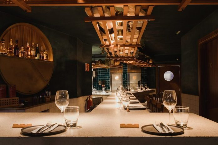 Chaka Khan : Khan, le restaurant à l'étage