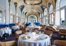 Restaurant Les Fresques - Salle intérieure et fresques au plafond