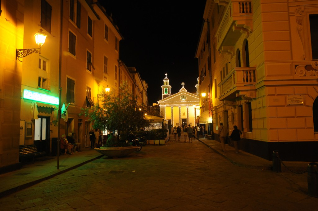 Sestri at night