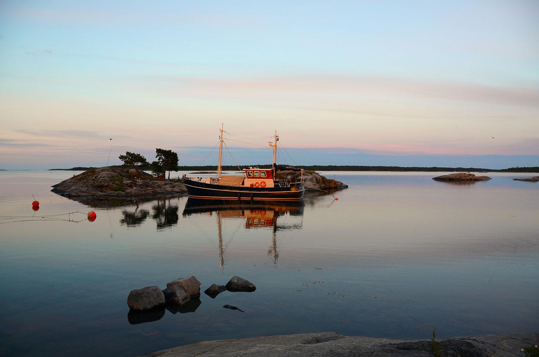 boat möja sunset sweden