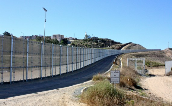 US-Mexico-border-in-San-Diego-Bruno-Sanchez-Andrade-Nuño