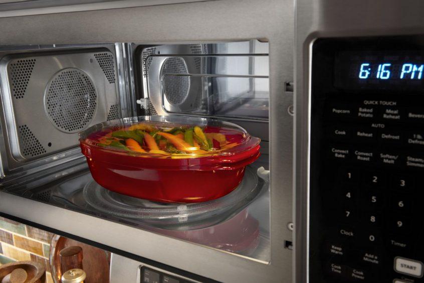 my microwave keep blowing fuses