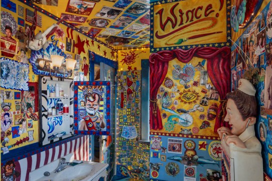 Bathroom, Charles Wince's WinceWorld; Columbus, OH 2019