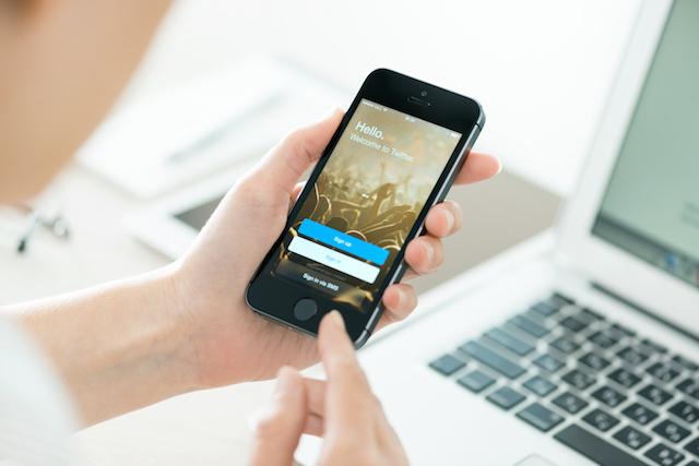 Waltz 以手機掃描自動登入 Facebook、Google 等常用服務,免輸入帳號密碼!(Chrome 擴充功能) via @freegroup