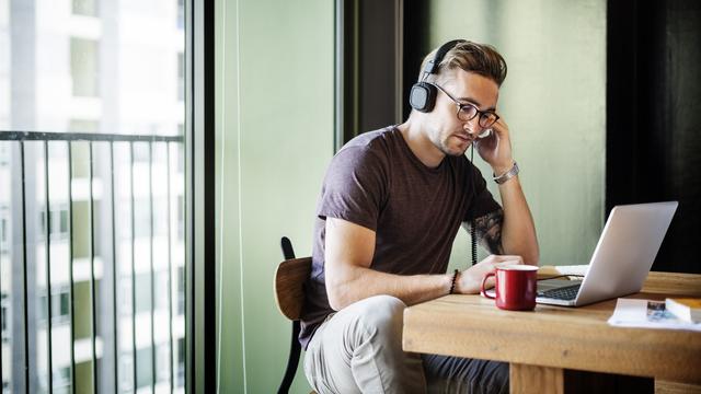 FocusMusic.fm 適合工作時聽的免費音樂電台,提升專注力增進效率
