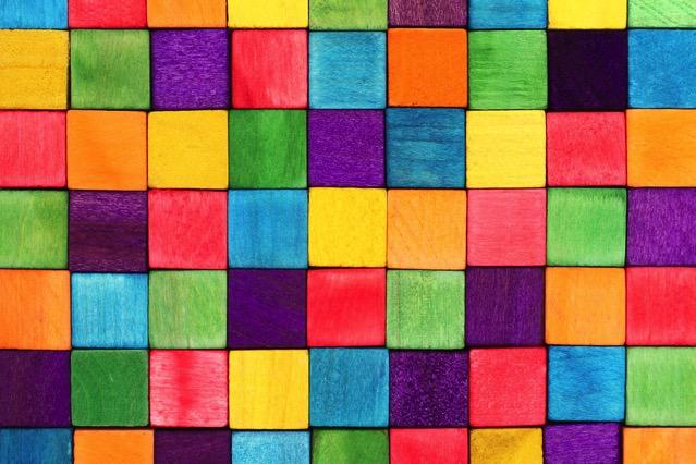 Material UI 收錄 Google、微軟及社群網站等常見設計風格配色組合