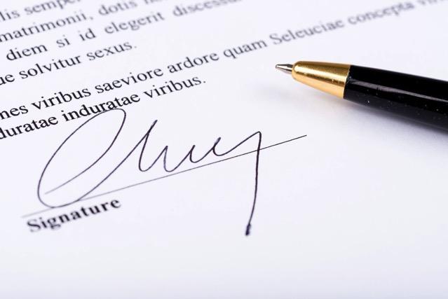 Smallpdf 免費 eSign PDF 電子簽署功能,為 PDF 文件簽名加文字免裝軟體