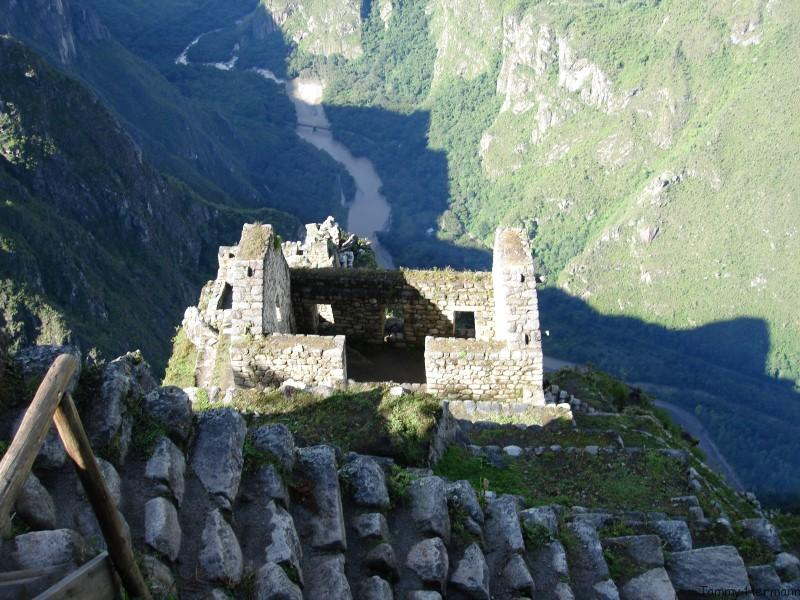 Ruins near the top of Huayna Picchu