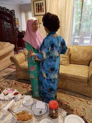 November 5, 2016 - Mahathir's wife, Dr. Siti Hasmah, meets with Anwar's wife Dr. Wan Azizah.