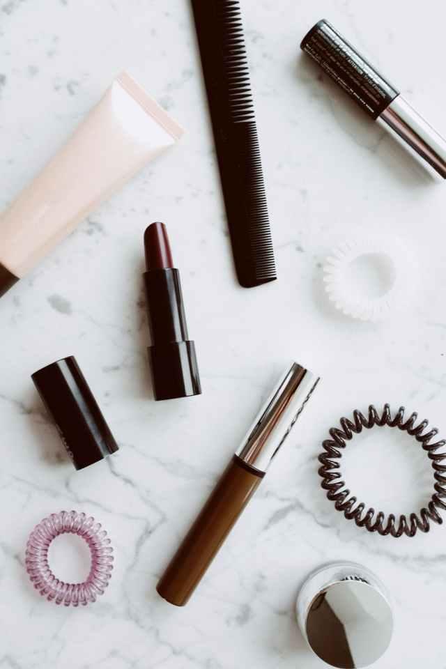 composition of feminine makeup supplies