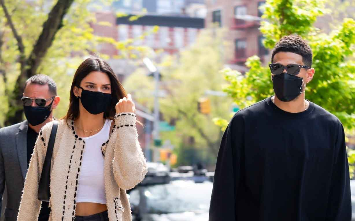 Kendall Jenner Shares Anniversary Photos with Devin Booker on Instagram