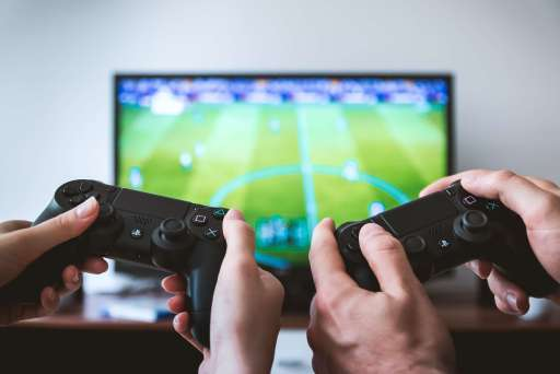 Good news, gamers: study says gaming burns as much calories as 1,000 sit-ups