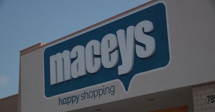 maceys-store-front