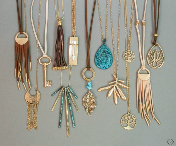 2 Pendant Necklaces $12 ($20 Value)