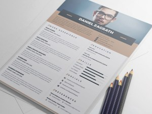 Free Elegant Illustrator Resume Template