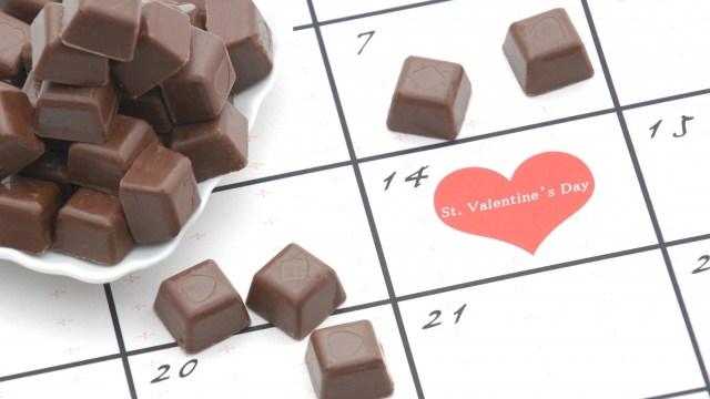 バレンタインデーにチョコなのはなぜ?