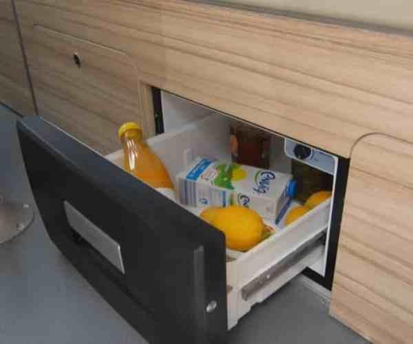 Refrigerateur-Waeco-installation-amenagement-freed-home-camper Location van aménagé 2 personnes, l'Otago