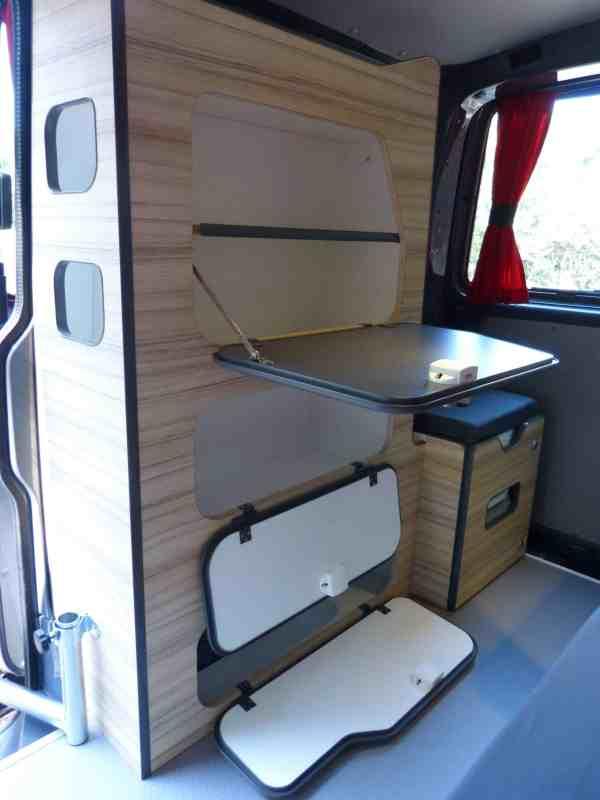 van-neuf-amenagement-north-east-van-mania-kit-amovible-freed-home-camper-agence-montage96-600x800 Le bon aménagement pour votre van