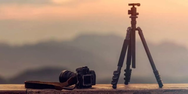 monopods and tripods