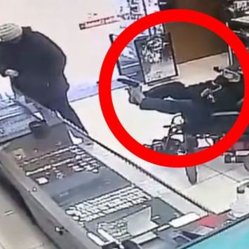 MUST WATCH: Paralyzed Man in Wheelchair Robs Jewelry Store At Gunpoint