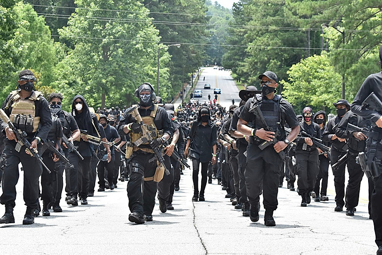 Black Militia Vows to 'Burn Down' Louisville if Cops Involved Responsible for Death of Breonna Taylor Aren't Arrested