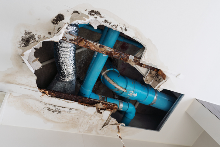Is Selling My Damaged Rental Property to a Cash Buyer a Good Idea?