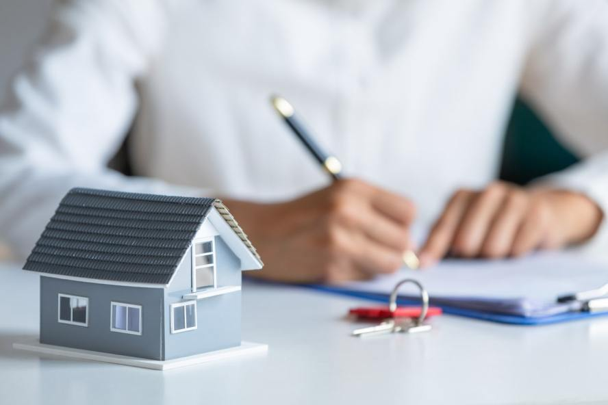 Why Should You Sell Your Home to a Cash Buyer in Phoenix?