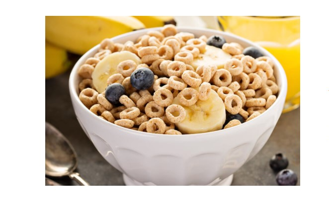bowl of cheerios with semi-skimmed milk