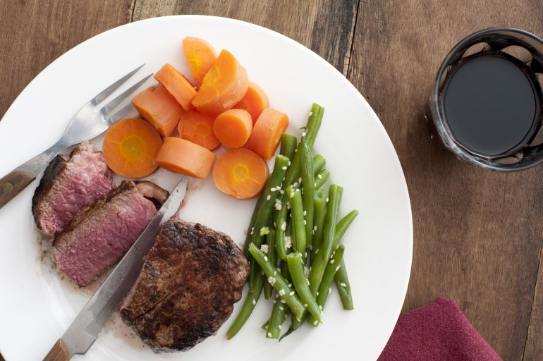 Medium Rare Fillet Steak With Beans And Carrots Free