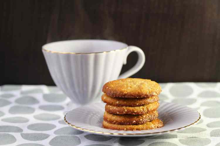 Ginger & Sesame Cookies (Grain-Free, Refined Sugar-free, Dairy-free, Egg-free)