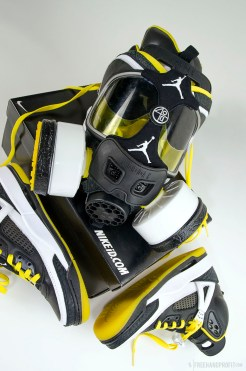 The 52nd sneaker mask created by Freehand Profit. Made from 1 pair of Nike ID Spizikes. Find out more about the work on FREEHANDPROFIT.com.