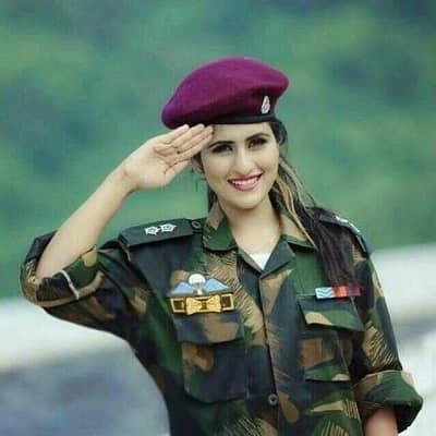 Indian-Army-Girl-DP (17)