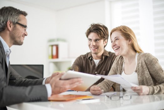 How to start real estate and become a successful real estate agent