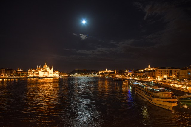 Moonrise over the Danube