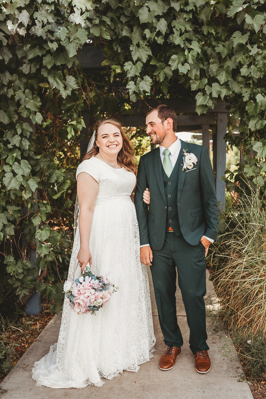 wedding photography bride and groom Western Colorado Botanical Gardens