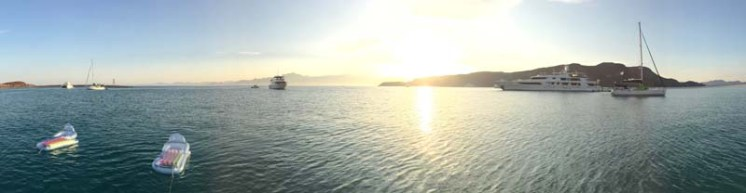 Isla San Francisco and M/V Calex