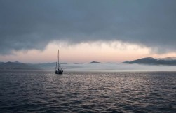 S/V Fellowship in the Chamela fog