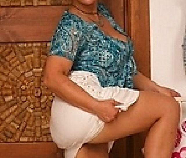 Mature Moms Collection Gallery