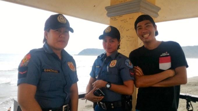 バレア:フィリピンの婦警さん
