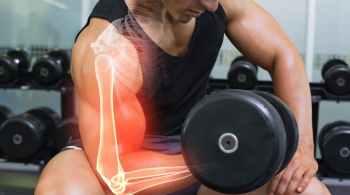 man doing isometric bicep exercise