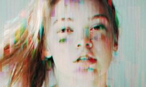 Screen Glitch Photo Effect