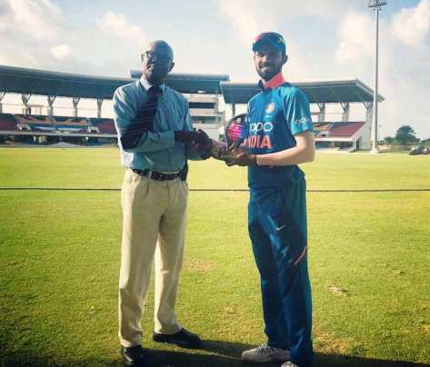 Ruturaj Gaikwad receiving Man of the Match award for his performance