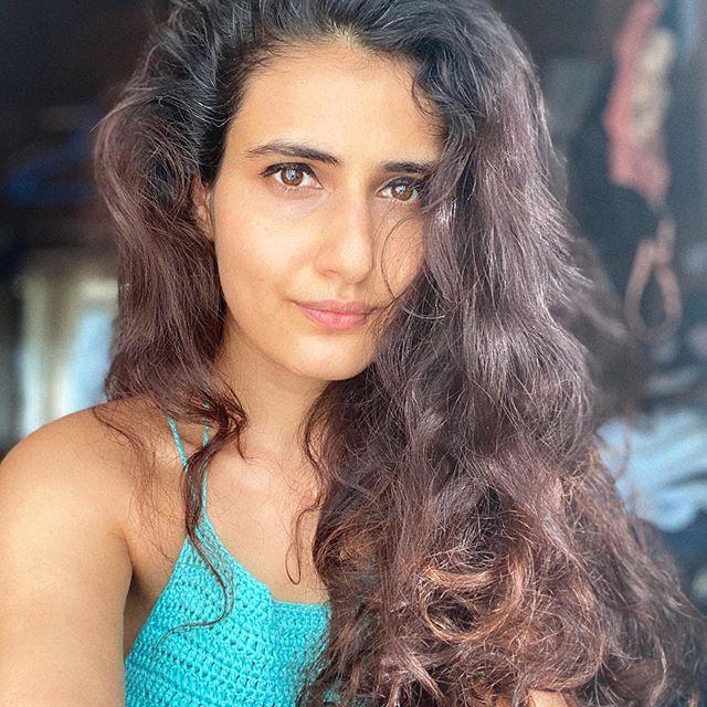 Fatima Sana Shaikh Wiki, Biography, Age, Height, Husband, Parents & Salary 1
