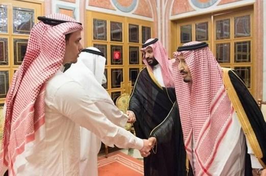 The Saudi Royal Family greeting Jamal Khashoggi's son and brother