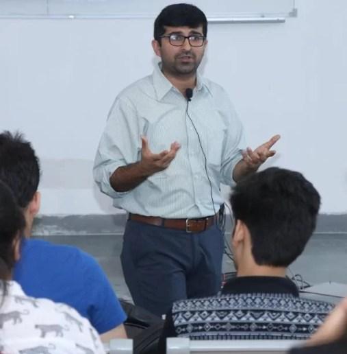 Varun Malhotra conducting a FLAP seminar