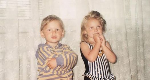 Childhood picture of Sandra Drzymalska with her brother