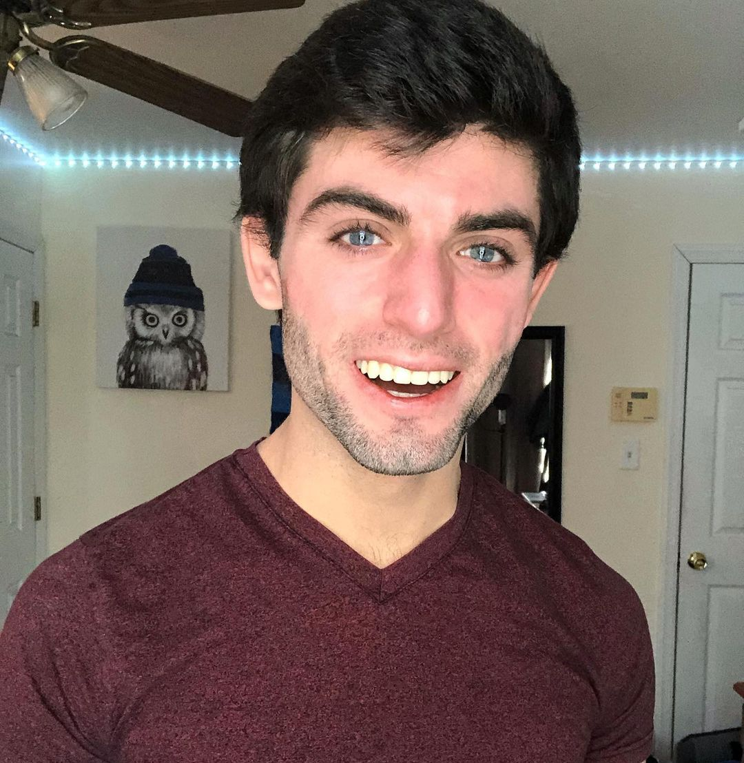 Vinny Marchi (TikTok Star) Wiki, Biography, Age, Girlfriends, Family, Facts and More - Wikifamouspeople