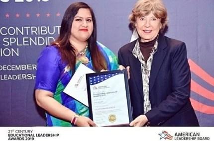 Savi Kumar with her 21st-century Educational Leadership Award