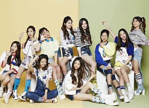 Nancy with other participats of Finding Momoland (2016)