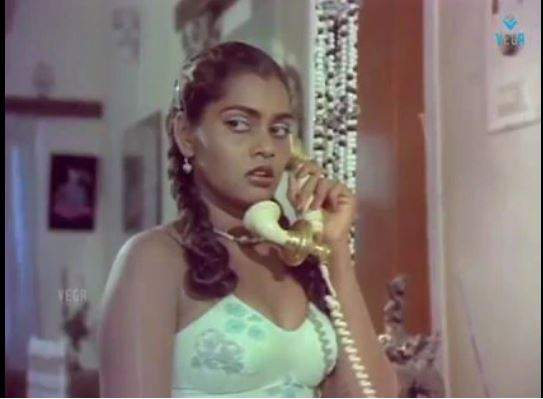 Silk Smitha in Vandichakkaram